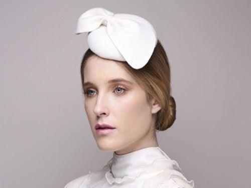 wedding head fascinator, bridal cocktail hat