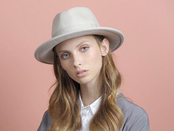 e220e43d61f65 Classic Fedora CK – Justine hats